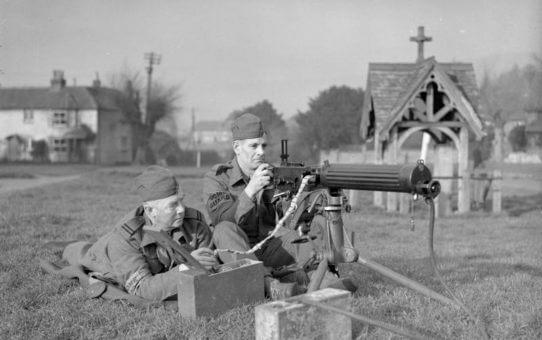 Guardsmen with a Vickers machine gun