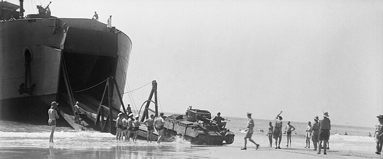 Valentine tank disembarking from Bachaquero